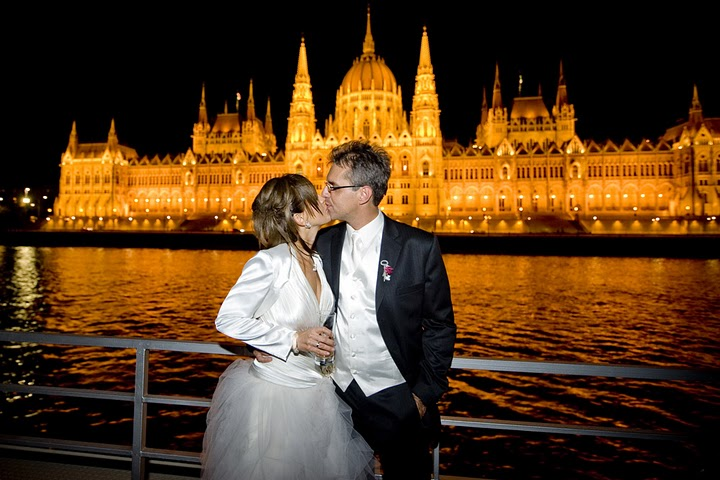 Beautiful-Wedding-on-Zsofia-Cruise-Ship-Budapest-Danube
