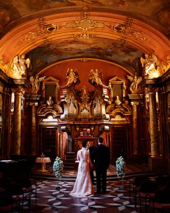 Prague-Destination-Wedding-Elopement-Clementinum-Alchymist-012-1