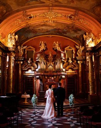 Prague-Destination-Wedding-Elopement-Clementinum-Alchymist-012-1