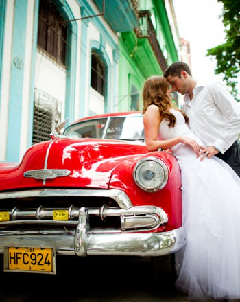 Trash-the-dress-Cuba-Cuba-Wedding-Luxury-Destination-Wedding-36